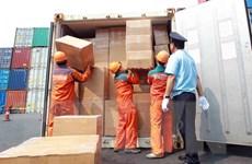 Phát hiện hàng loạt vụ 'trộn' ngà voi, vảy tê tê trong hàng nhập khẩu