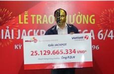 Một khách hàng được trao giải Jackpot 25 tỷ đồng đúng ngày Thần tài