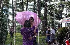 Những hình ảnh lãng mạn tại lễ hội mưa Đà Lạt