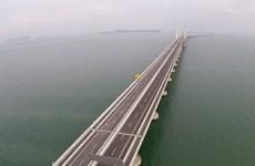 70.000 người tham gia giải chạy trên cầu dài nhất Đông Nam Á