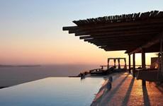 """Tốp 10 khách sạn sở hữu hồ bơi """"vô cực"""" của TripAdvisor"""