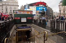 Hàng chục nghìn người dân Anh tuần hành phản đối giảm lương