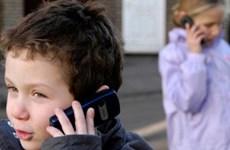Dùng điện thoại di động khi còn trẻ có nguy cơ ung thư não