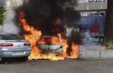 Pháp: 940 ôtô bị các đối tượng gây rối đốt trong đêm đón Năm mới