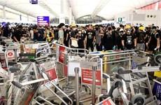 Hong Kong đối mặt với cuộc khủng hoảng tồi tệ nhất kể từ năm 1997