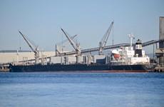 Australia cấm hai tàu nước ngoài cập cảng vì nợ lương thuyền viên