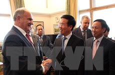 Trưởng Ban Tuyên giáo TWlàm việc với lãnh đạo các chính đảng Nga