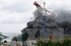 Pháp khống chế thành công đám cháy tại nhà máy hóa chất