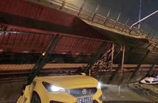 Trung Quốc: Sập cầu tại Giang Tô, nhiều phương tiện bị đè bẹp