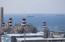Giá dầu thế giới đi lên sau cam kết cân bằng thị trường của OPEC