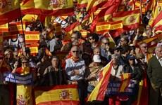 Hàng chục nghìn người tuần hành phản đối ly khai ở Catalonia