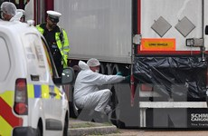 Vụ 39 người nhập cư thiệt mạng: Ba đối tượng tình nghi được tại ngoại