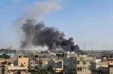 Libya: Quân đội miền Đông không kích lực lượng Chính phủ