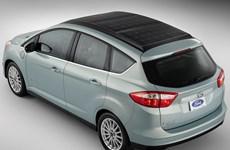 Ford trình làng mẫu hybrid dùng năng lượng Mặt Trời