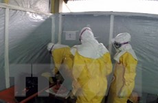 Liberia áp dụng một loạt biện pháp mạnh ngăn chặn virus Ebola