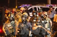 Cảnh sát Mỹ sử dụng hơi cay với người biểu tình ở Missouri