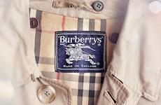 Những bí mật của hãng thời trang 158 năm tuổi Burberry