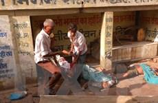 [Photo] Giẫm đạp tại đền thờ Ấn Độ, hơn 70 người thương vong