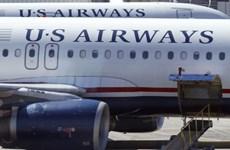 Máy bay của US Airways hạ cánh khẩn cấp vì phát hiện mùi lạ