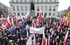 Hàng nghìn người Ba Lan biểu tình phản đối kết quả bầu cử