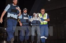 [Video] Kẻ bắt cóc con tin tại Australia dọa đặt bom thành phố