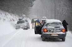 Giao thông tại Italy gián đoạn vì bão tuyết và giá lạnh kéo dài