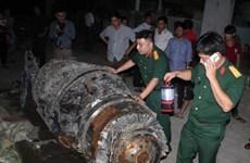 Ngư dân Hà Tĩnh phát hiện một khối kim loại lạ dưới đáy biển