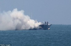 Một tàu hải quân của Ai Cập bị cháy do đụng độ phiến quân