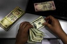 IMF: Các công ty Ấn Độ dễ bị tổn thương trước đồng USD mạnh