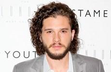 Nam diễn viên Game of Thrones vô tình hé lộ Jon Snow vẫn sống