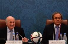 """Chủ tịch FIFA: Michel Platini """"là một kẻ nhỏ nhen và ghen tị"""""""