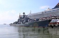 [Photo] Cận cảnh tàu khu trục Bystryi của Nga cập cảng Tiên Sa