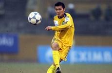 Đình Đồng bị cấm thi đấu gần 1 năm vì phạm lỗi thô bạo