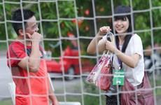 Nữ phóng viên Nhật vẽ tranh manga tặng U19 Việt Nam và HLV Miura
