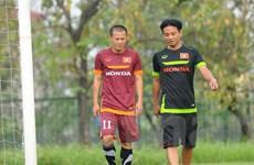 Quả bóng Vàng Việt Nam bị đau ở buổi tập đầu tiên với tuyển quốc gia