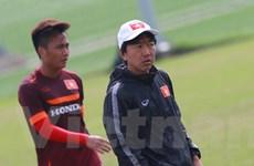 [Photo] HLV Miura phát cáu vì U23 Việt Nam tập chưa đạt