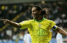 Ronaldinho sẽ ra sân trong trận giao hữu tại Việt Nam