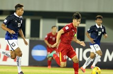 Vượt qua Huỳnh Đức, Công Vinh sắp sánh ngang huyền thoại của AFF Cup