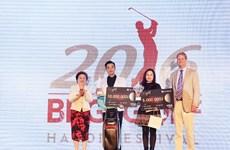 6,5 tỷ đồng tiền thưởng đã được trao tại giải golf BRG Hà Nội 2016