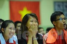 """Tuyển Việt Nam khiến """"fan"""" buồn vui lẫn lộn trong trận thua Indonesia"""