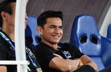 Nói không với thầy cũ Messi, Thái Lan muốn giữ chân Kiatisak