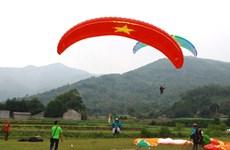 Giải dù lượn Việt Nam mở rộng lần đầu tiên được tổ chức tại Hà Nội