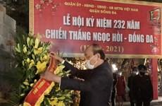 Thủ tướng dâng hương tại Tượng đài Quang Trung - Nguyễn Huệ