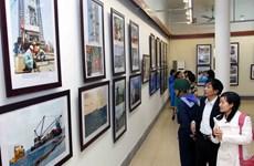 """Khai mạc triển lãm ảnh """"Biển đảo Tổ quốc"""" tại Hà Nội"""