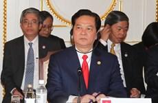 Thủ tướng thăm Đại sứ quán Việt Nam tại Nhật Bản