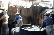 """Nghề tái chế nhôm """"bức tử"""" môi trường ở Bình Yên, Nam Định"""