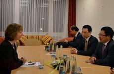Phó Thủ tướng dự họp WEF với các lãnh đạo hàng đầu