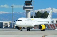 Italy: Hành khách hoảng loạn vì máy bay cháy càng khi hạ cánh
