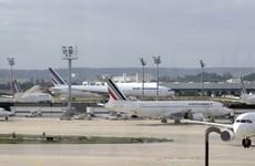 Giao thông hàng không ở Pháp có nguy cơ hỗn loạn vì đình công