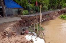 Nứt đất ảnh hưởng đời sống của hàng chục hộ dân bên bờ sông Đồng Nai
